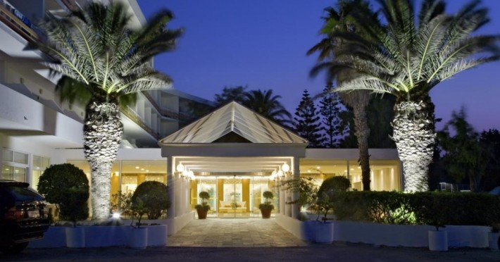 Hotel Eden Roc Resort & Bugalows