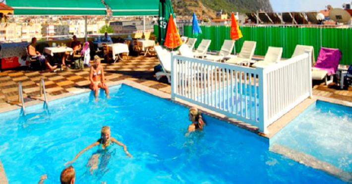 kleopatra-beach-hotel-873-alanya-hotel-kleopatra-beach-exterior-piscina-pool-bar-1461174516.jpg