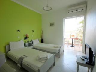 Hotel Dionyssos Studio
