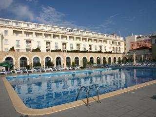 1 Decembrie la Hotel Iaki 4*
