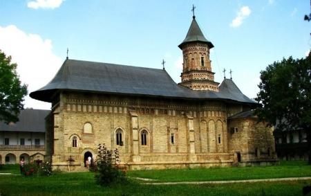 05-manastirea-neamt-1518778685.jpg