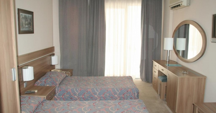 elysee-beach-hotel_66073_2733531.jpg